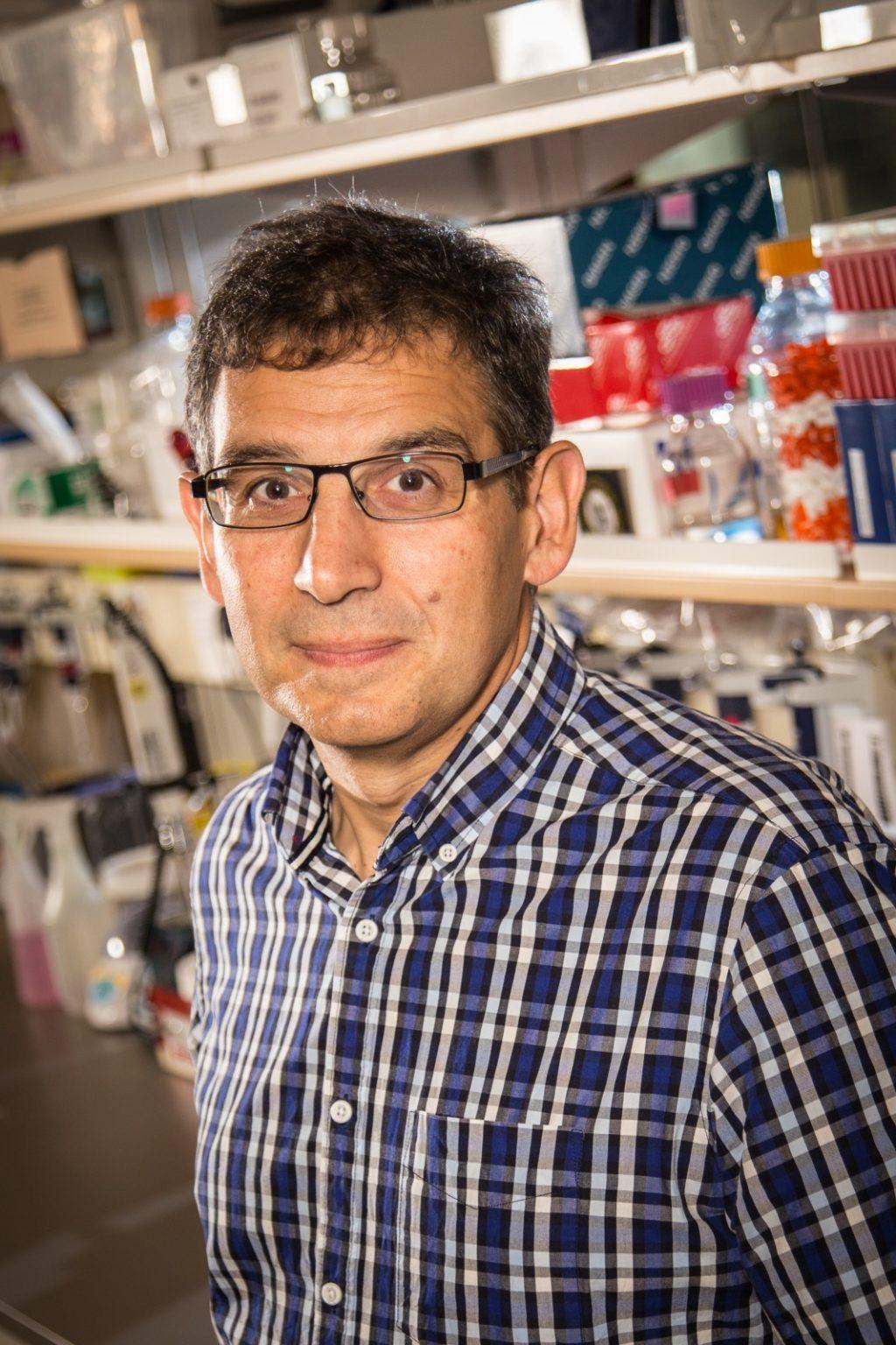 Dr. Sam Aparicio